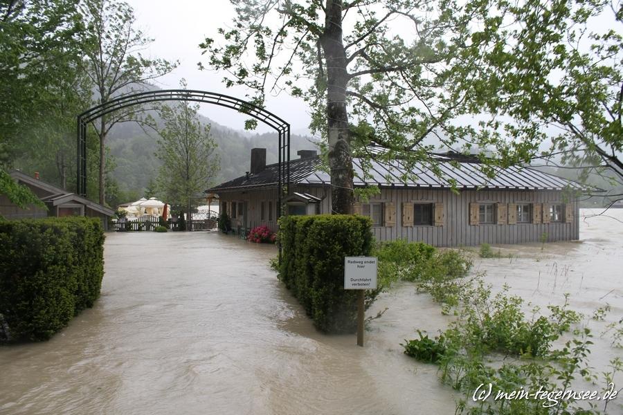 Die Fährhütte am Ringsee ist auf Grund des Hochwassers nicht mehr erreichbar.