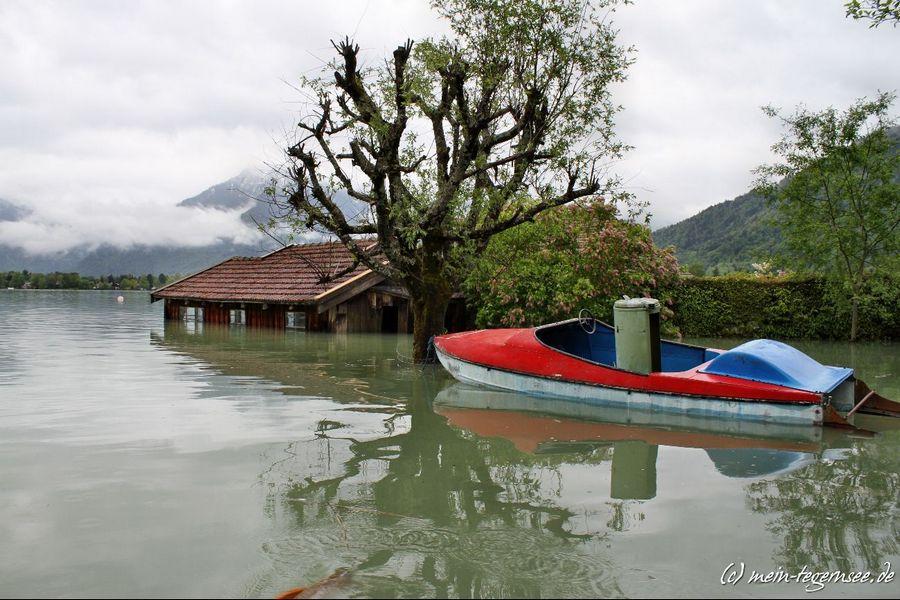 Beim Friedlhof in Bad Wiessee. Blick auf Bootshaus.