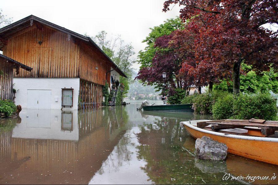 Beim Fischbruthaus in Bad Wiessee. Wegen Hochwasser kein Zugang möglich.