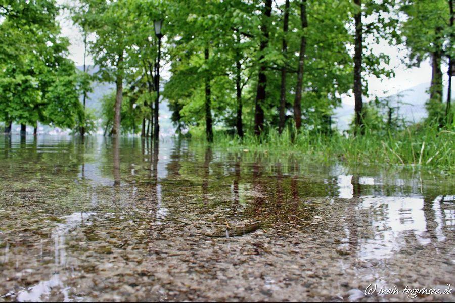 Der Uferweg beim Medical Park ist wegen Hochwassers nicht erreichbar.