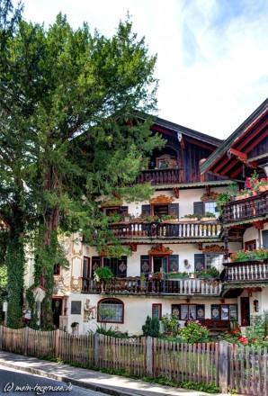 Typisch bayerisches Haus in der Rosenstraße Tegernsee