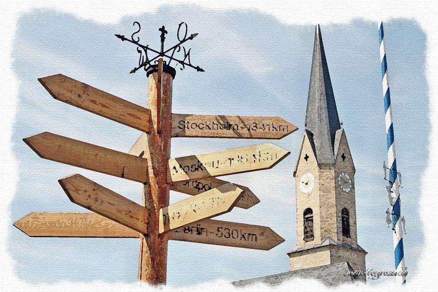"""Teilansicht der kath. Pfarrkirche """"St. Johannes der Täufer"""""""