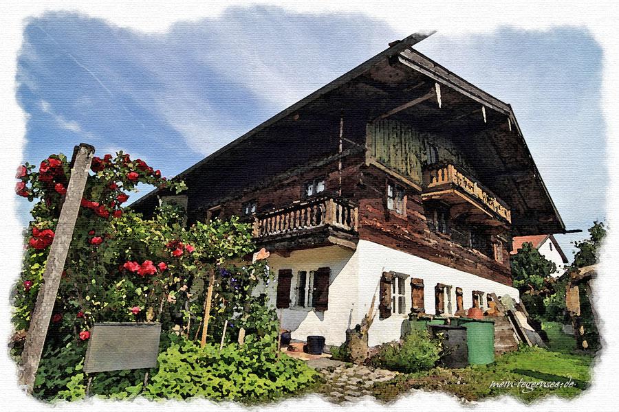Haus im bäuerlichen Stil in Waakirchen.