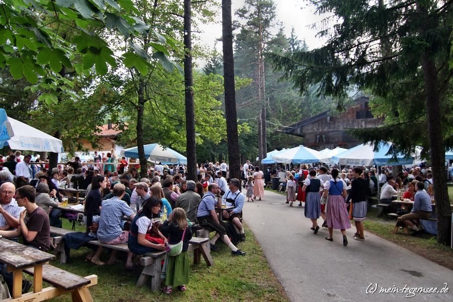 Trachten-Waldfest der Leonhardstoana am Leonhardstoana-Hof in Kreuth.
