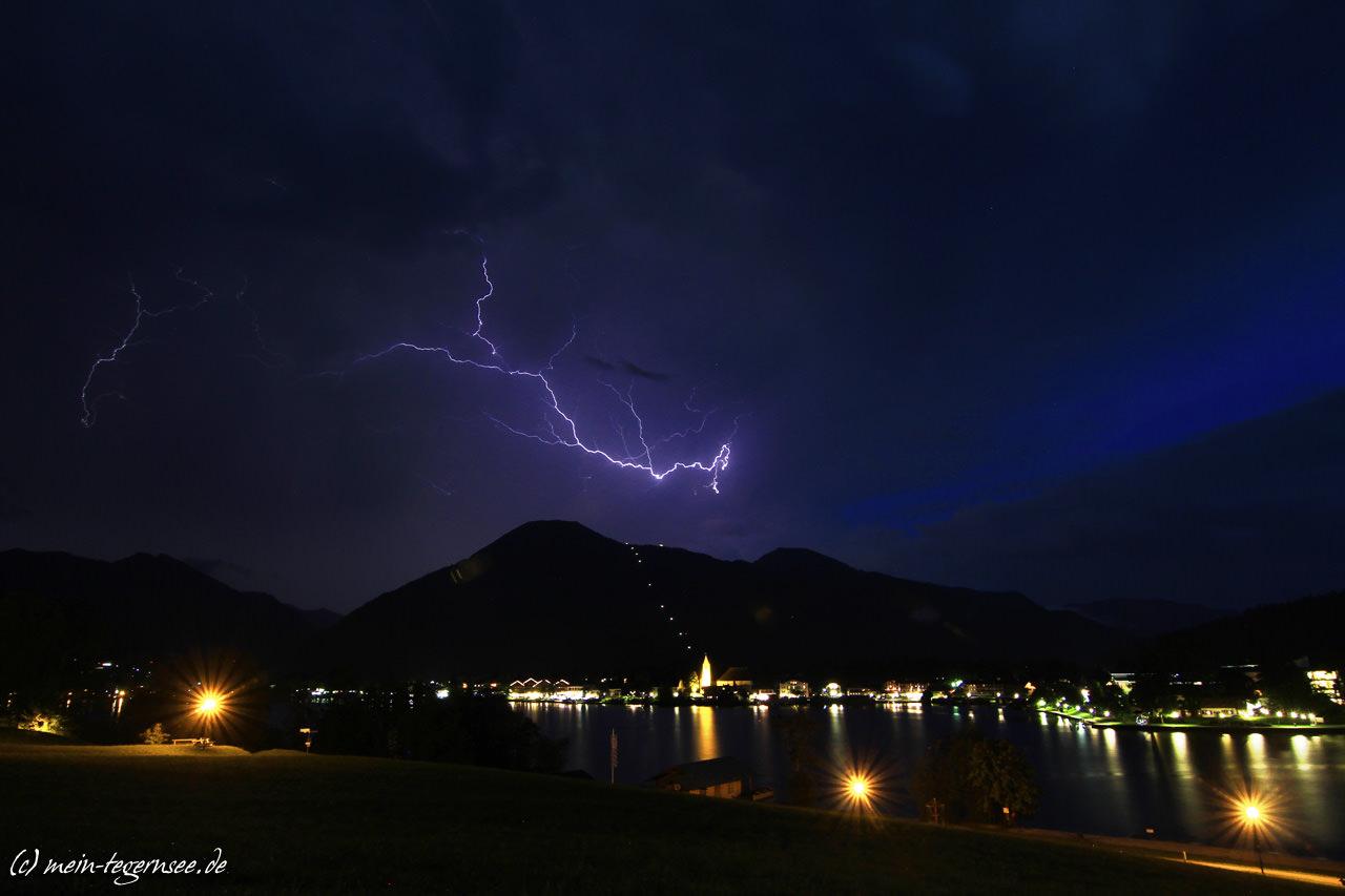 Was war das für ein Blitzgewitter heute abend über´m Tegernsee.