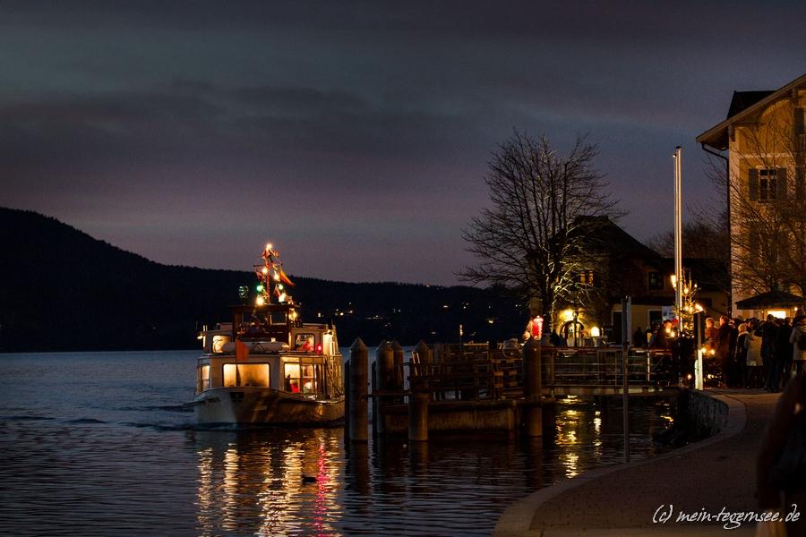 """Das Pendeschiff zum """"Rottacher Advent"""" und zur """"Seeweihnacht Bad Wiessee"""""""